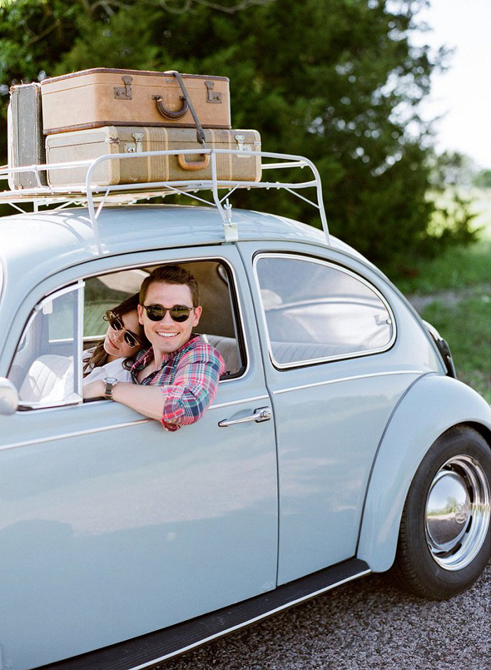 road-trip-engagment-session-vw-beetle-06