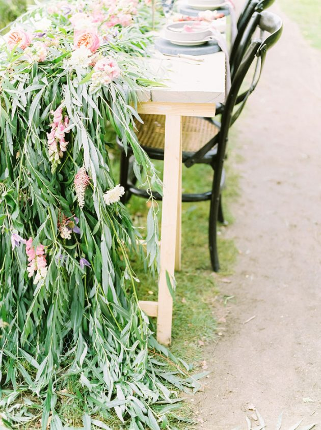 dreamy-natural-heathlands-floral-inspiration-shoot-02