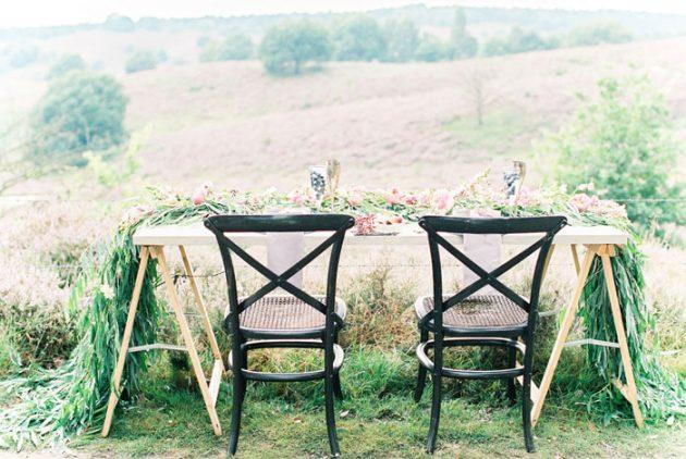 dreamy-natural-heathlands-floral-inspiration-shoot-16