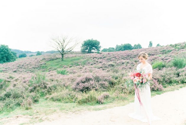 dreamy-natural-heathlands-floral-inspiration-shoot-25