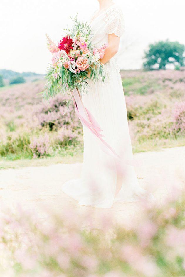 dreamy-natural-heathlands-floral-inspiration-shoot-26
