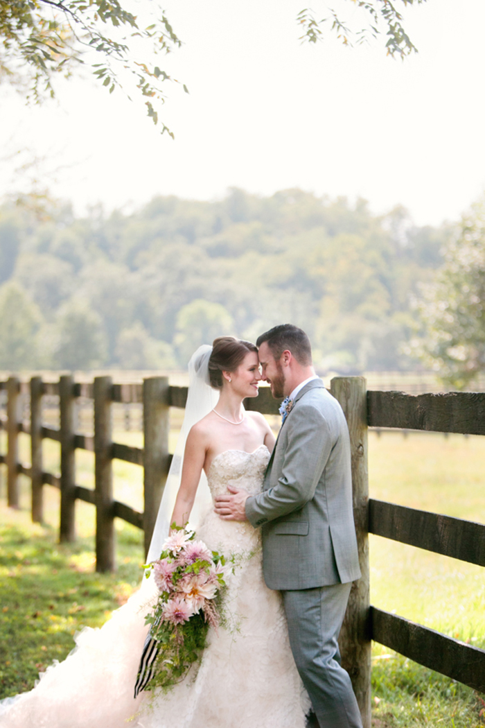 kentucky-polo-barn-wedding-inspiration-preppy 01