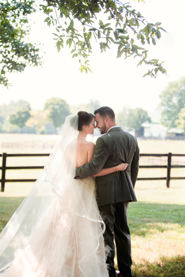 kentucky-polo-barn-wedding-inspiration-preppy 14