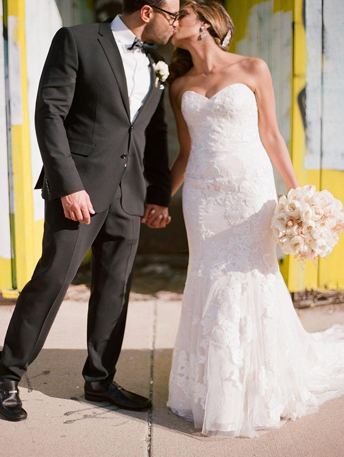 modern-detroit-glam-romantic-wedding-inspiration-00-(3)