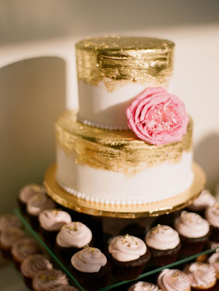 modern-detroit-glam-romantic-wedding-inspiration-05