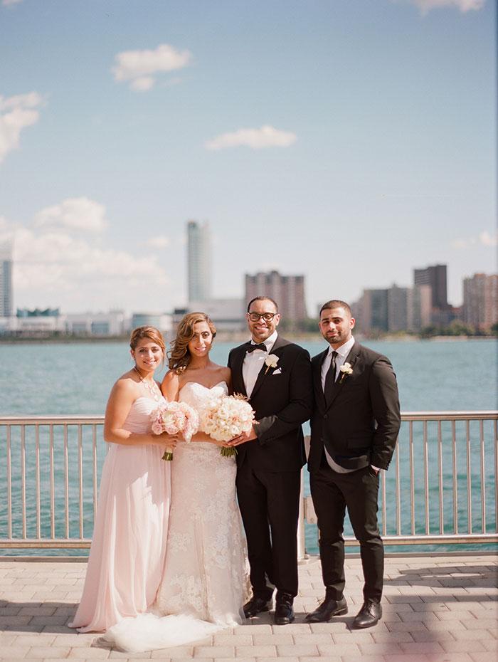 modern-detroit-glam-romantic-wedding-inspiration-09