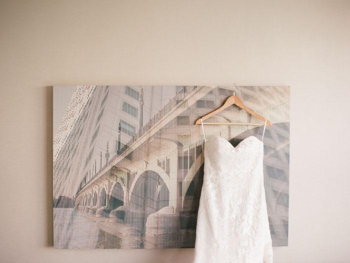 modern-detroit-glam-romantic-wedding-inspiration-13