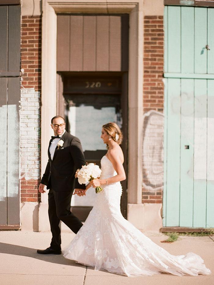 modern-detroit-glam-romantic-wedding-inspiration-17