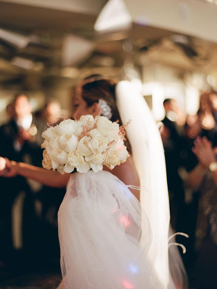 modern-detroit-glam-romantic-wedding-inspiration-18