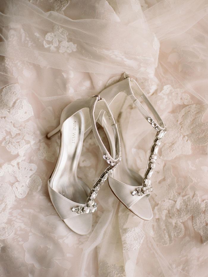 modern-detroit-glam-romantic-wedding-inspiration-27