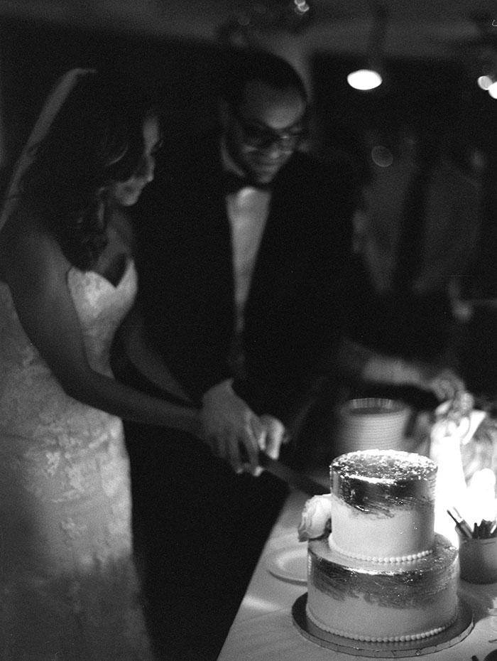 modern-detroit-glam-romantic-wedding-inspiration-35