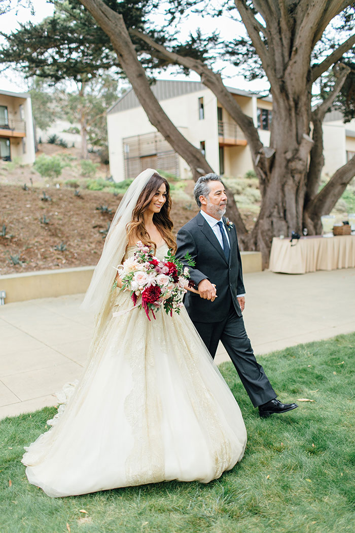 san-francisco-outdoor-fall-red-floral-wedding-inspiration-23