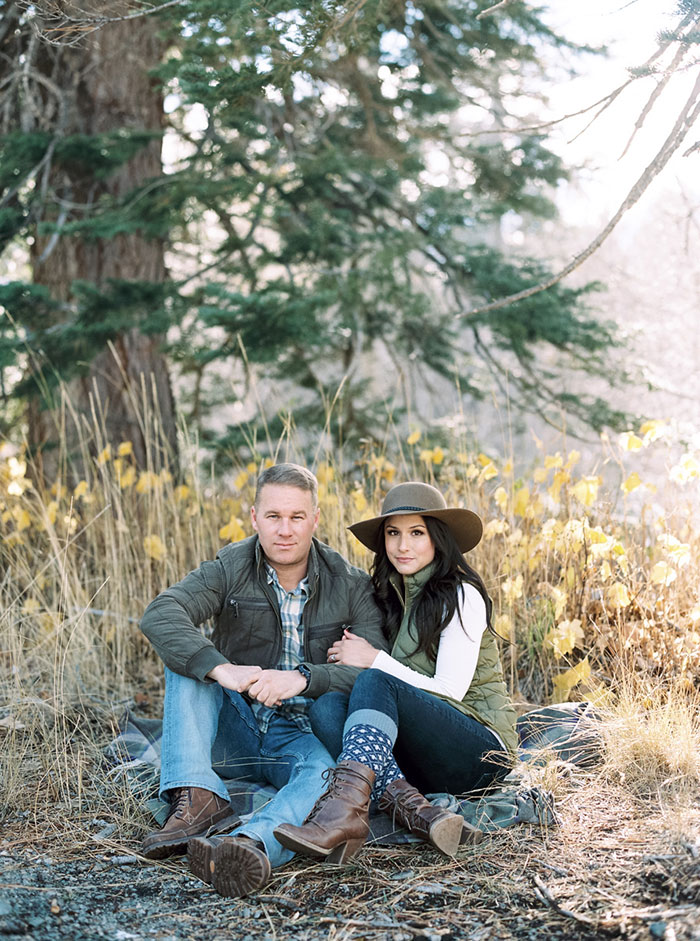 winter-lake-tahoe-engagement-photos-inspiration02