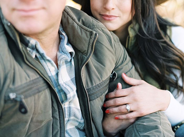 winter-lake-tahoe-engagement-photos-inspiration07