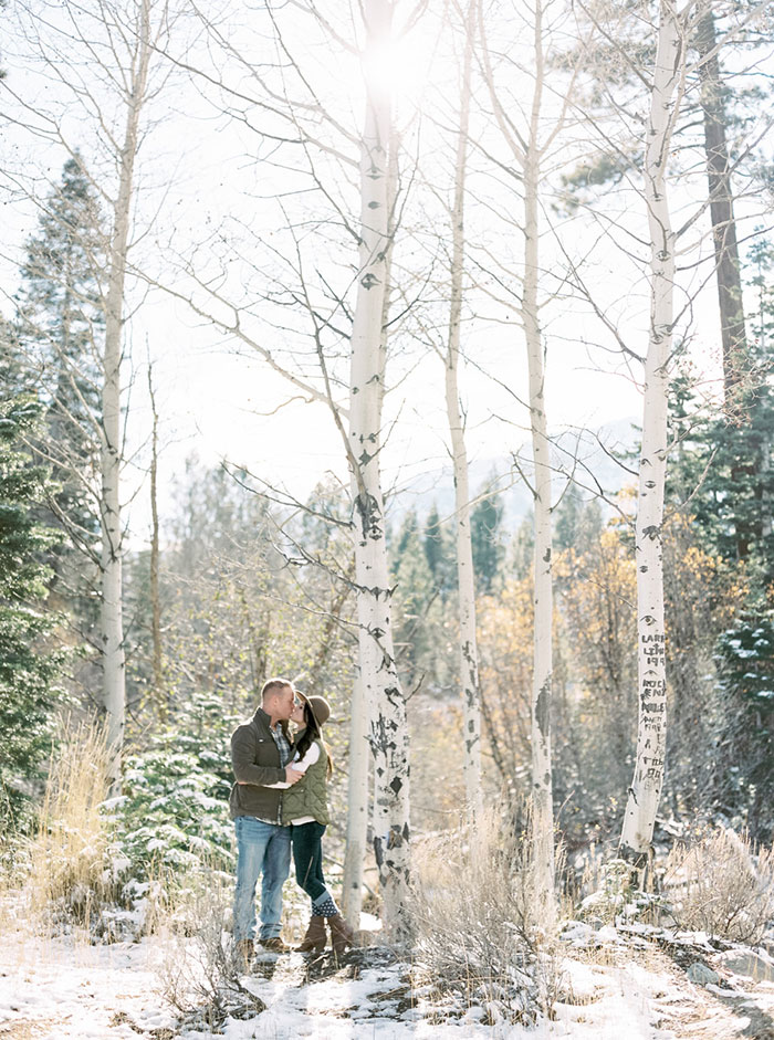 winter-lake-tahoe-engagement-photos-inspiration08