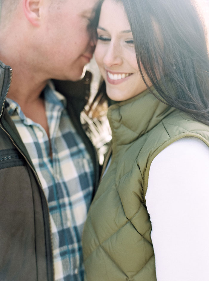 winter-lake-tahoe-engagement-photos-inspiration10