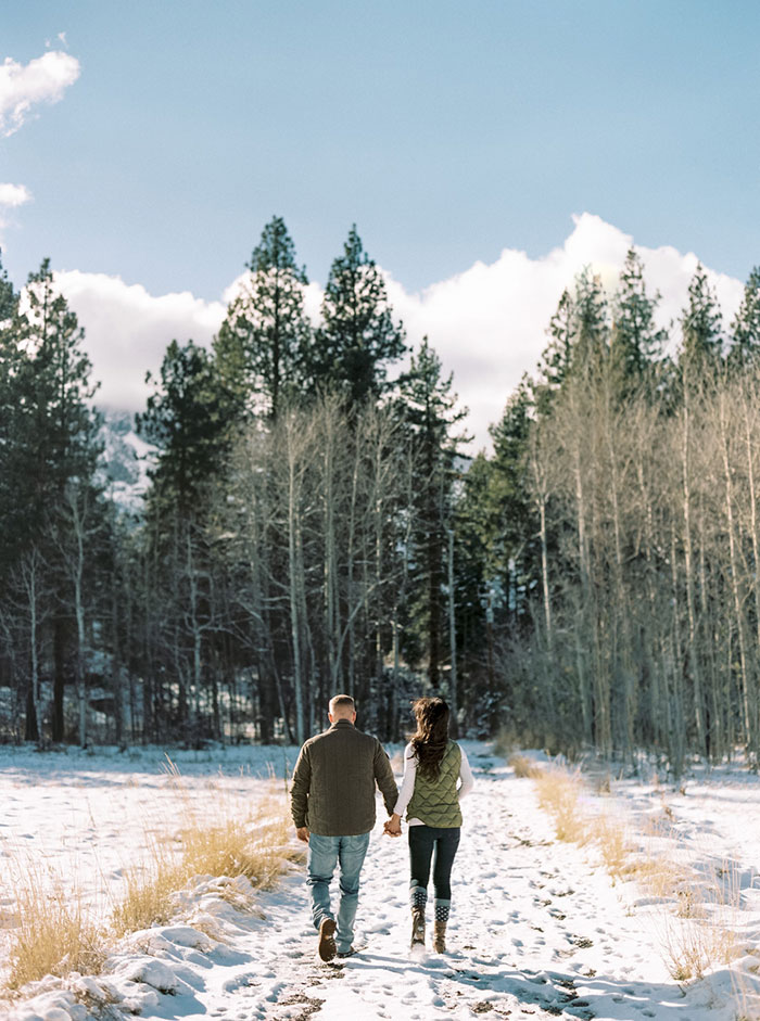winter-lake-tahoe-engagement-photos-inspiration13