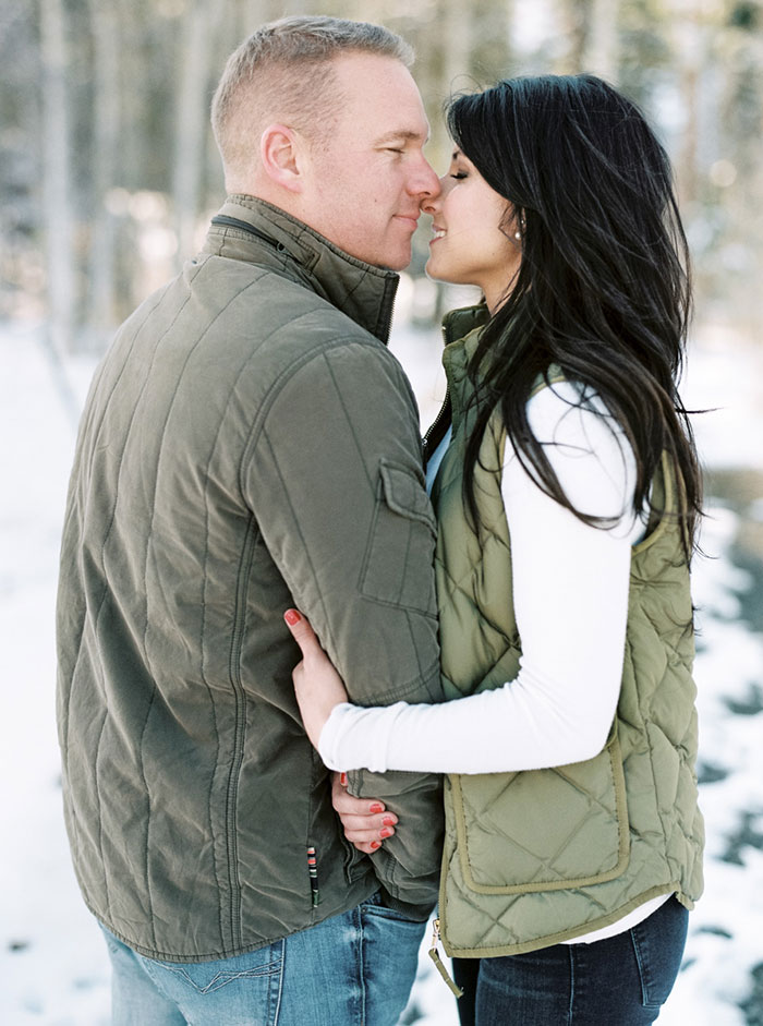 winter-lake-tahoe-engagement-photos-inspiration14