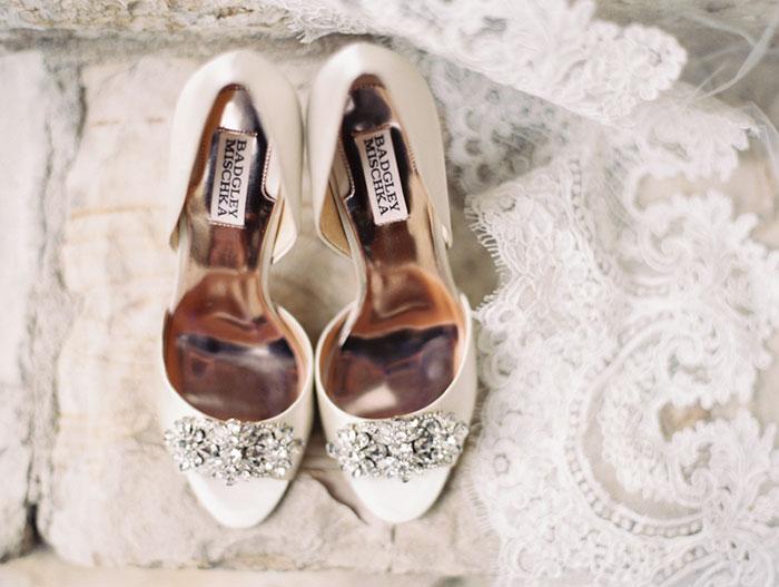 carmel-valley-romantic-ranch-flowers-wedding-inspiration00