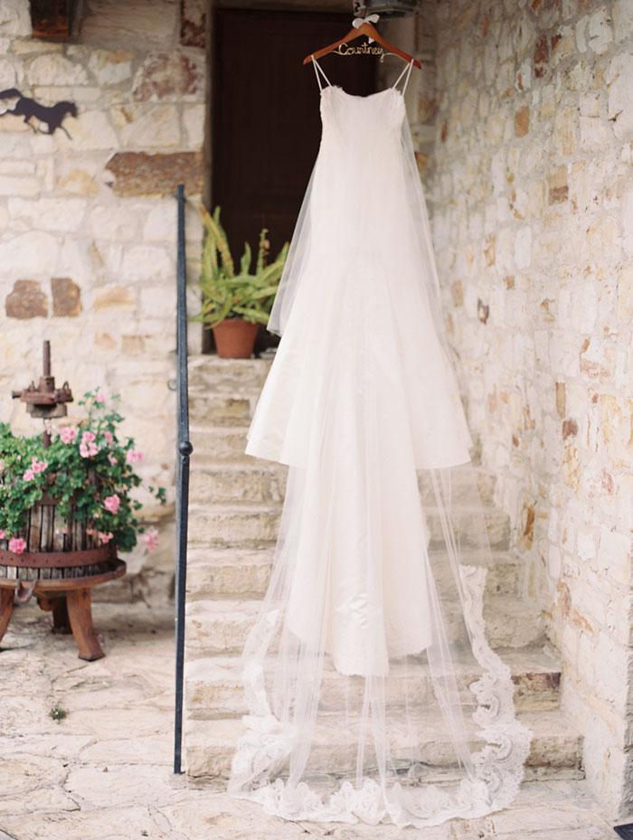 carmel-valley-romantic-ranch-flowers-wedding-inspiration01