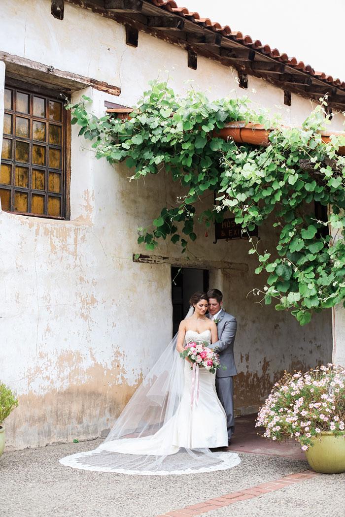 carmel-valley-romantic-ranch-flowers-wedding-inspiration06