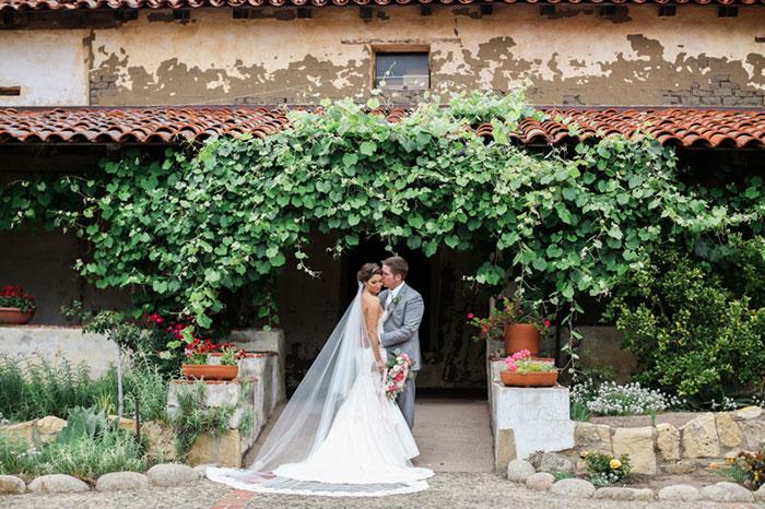 carmel-valley-romantic-ranch-flowers-wedding-inspiration07