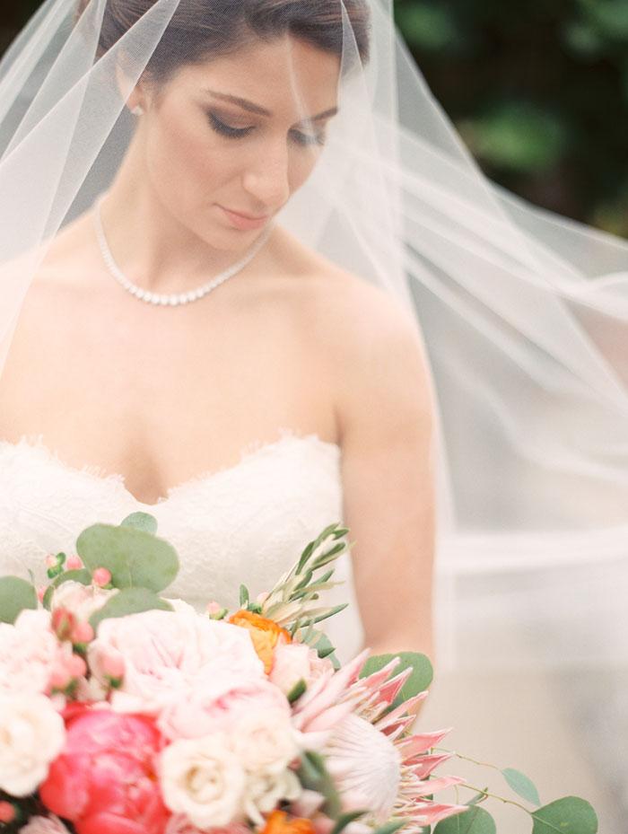 carmel-valley-romantic-ranch-flowers-wedding-inspiration12