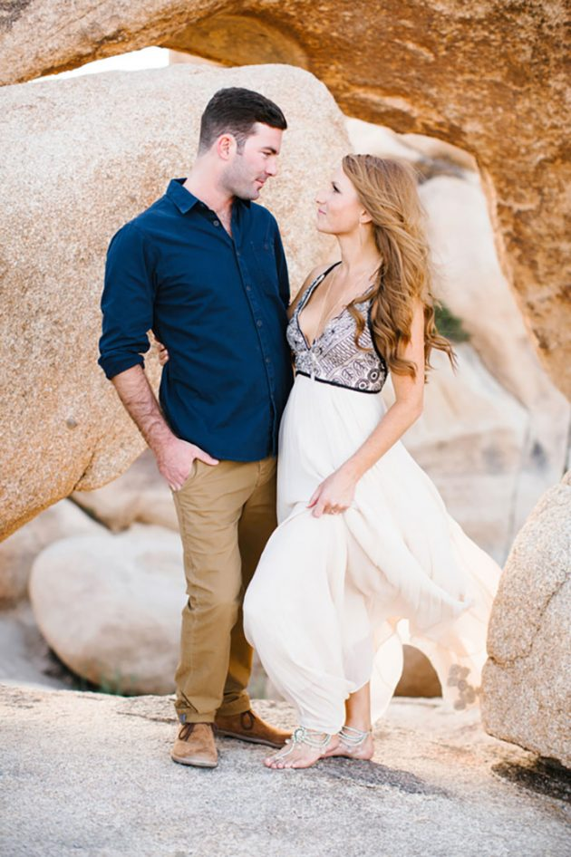 joshua-tree-engagement-session-inspiration-glam-dessert01