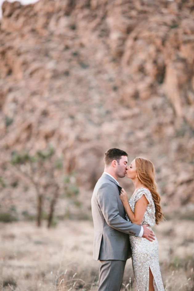 joshua-tree-engagement-session-inspiration-glam-dessert25