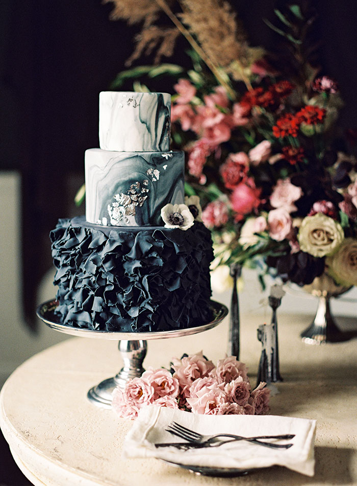 moody-winter-floral-inspiration-wedding20
