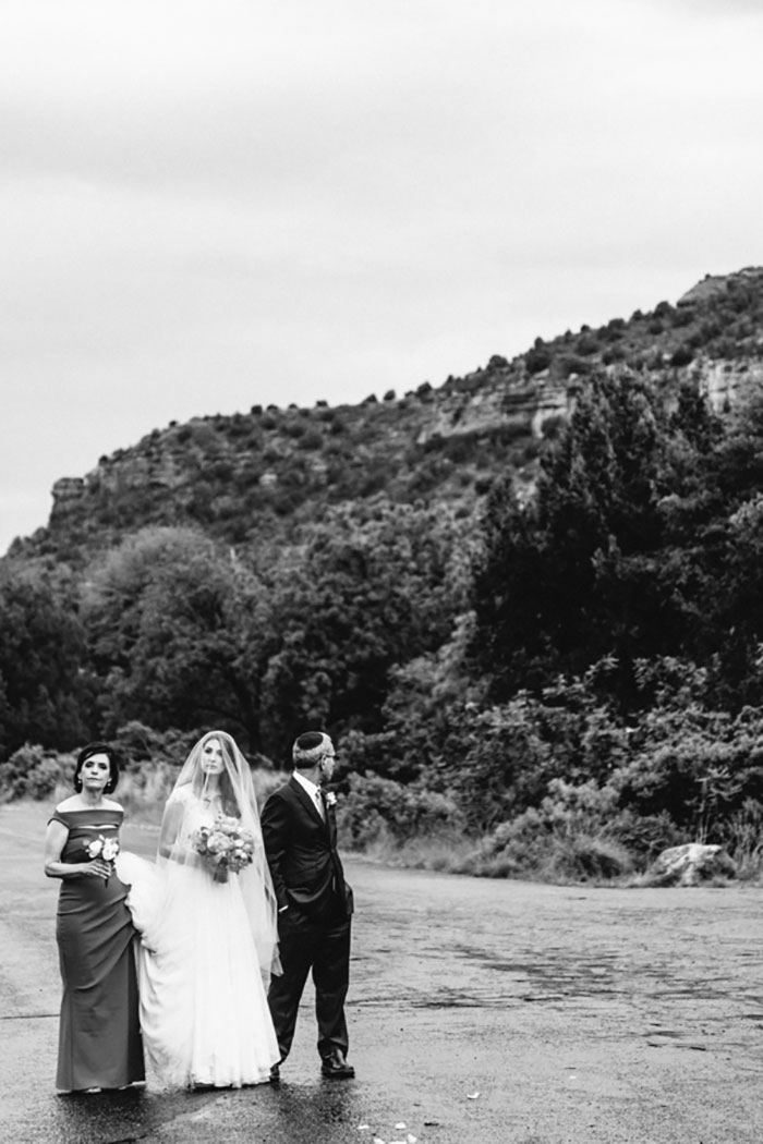 romantic-pink-sedona-travel-desert-wedding40