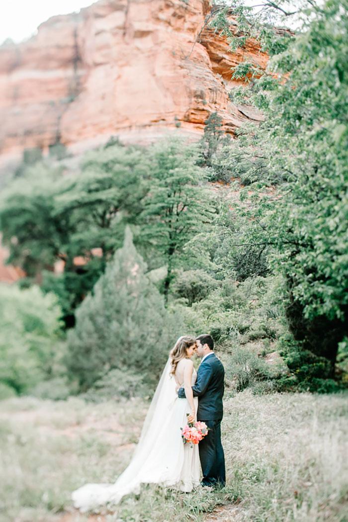 romantic-pink-sedona-travel-desert-wedding59