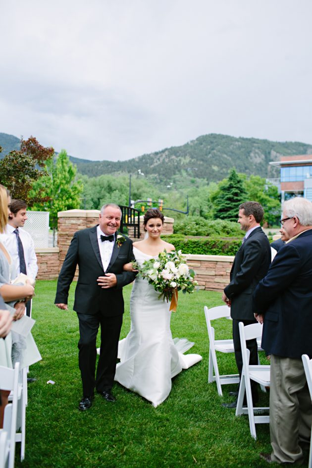 st-julien-colorado-wedding-emerald-classic-inspiration27