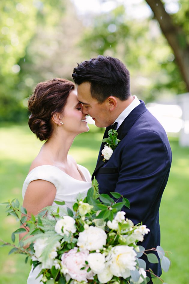 st-julien-colorado-wedding-emerald-classic-inspiration34