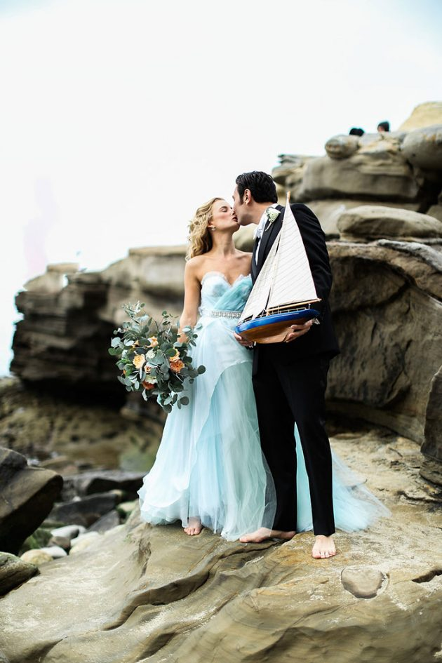 blue-tulle-seaside-anniversary-shoot14