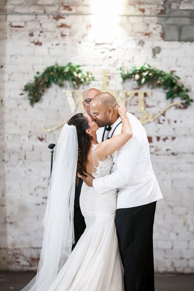 modern-wedding-rialto-theater-graphic-inspiration13