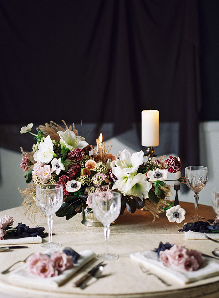 moody-winter-floral-inspiration-wedding36
