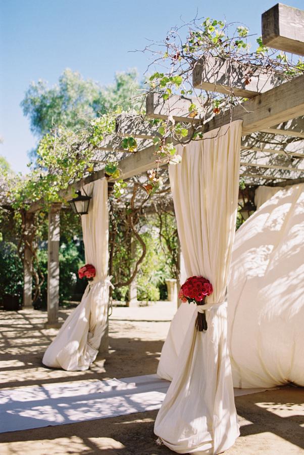 santa-barbara-wedding-pink-paisley-inspiration10