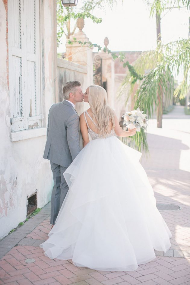 stylish-new-orleans-wedding-glam-deco-modern-romantic-inspiration16