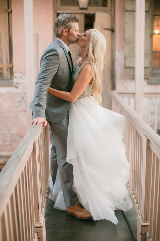 stylish-new-orleans-wedding-glam-deco-modern-romantic-inspiration38