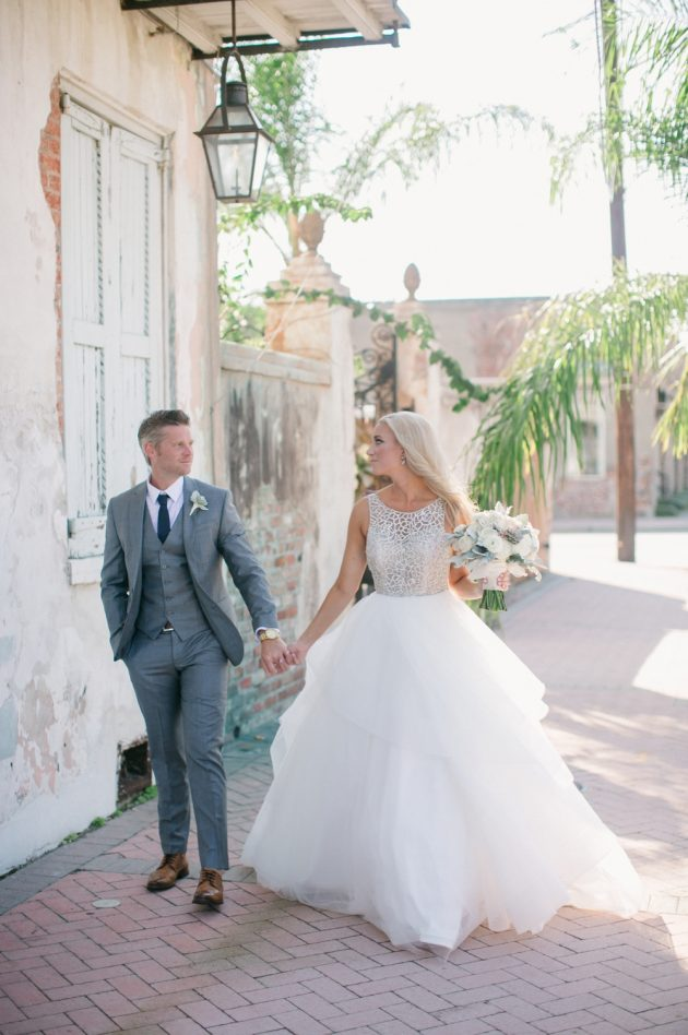 stylish-new-orleans-wedding-glam-deco-modern-romantic-inspiration56