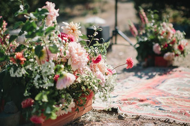 california-estate-casual-elegant-backyard-wedding-inspiration03