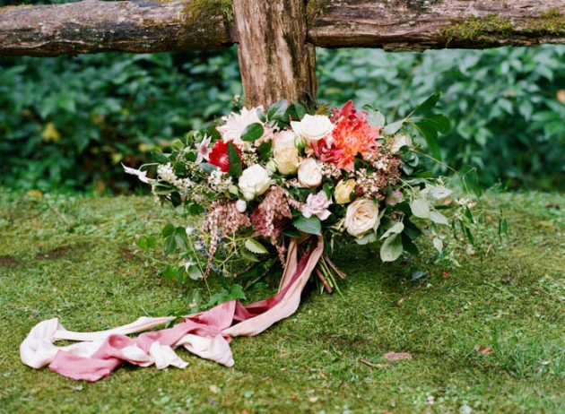 heirloom-vintage-styled-shoot-wedding-inspiration-silk-ribbons03