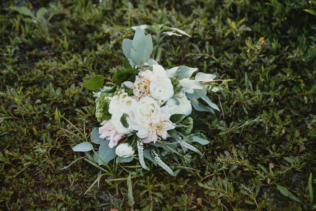 phoenix-glam-terrarium-diy-outdoor-wedding-inspiration19