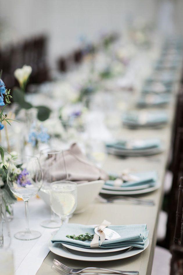 realxed-backyard-wedding-blue-wildflowers12