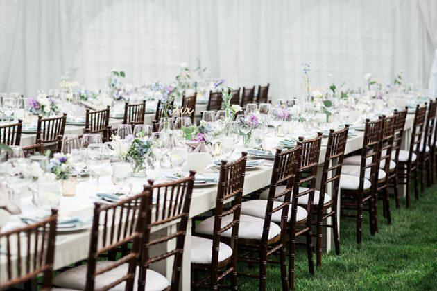 realxed-backyard-wedding-blue-wildflowers18