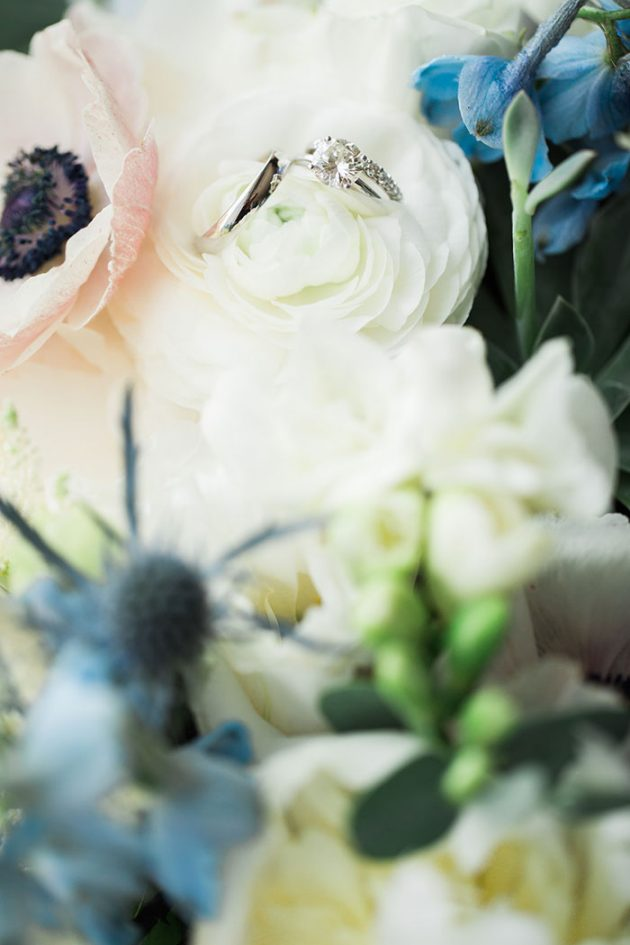 realxed-backyard-wedding-blue-wildflowers45
