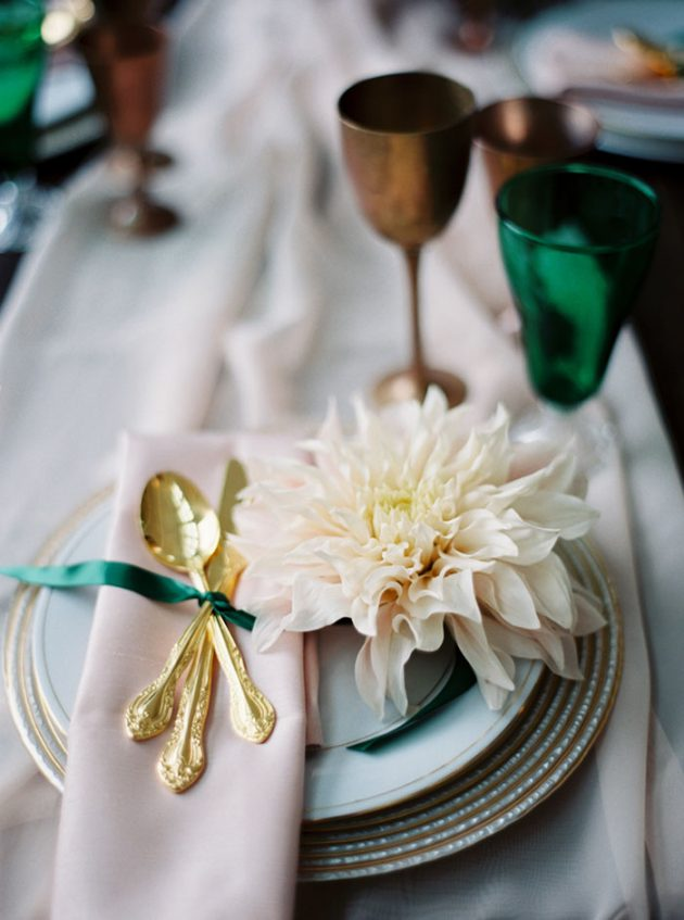 southern-emeral-styled-shoot-green-wedding-inspiration06