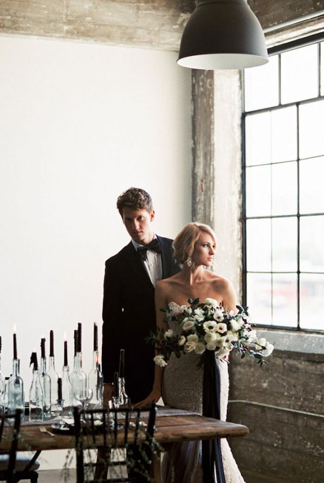 black-white-industrial-feminine-elegant-classic-wedding-inspiration02