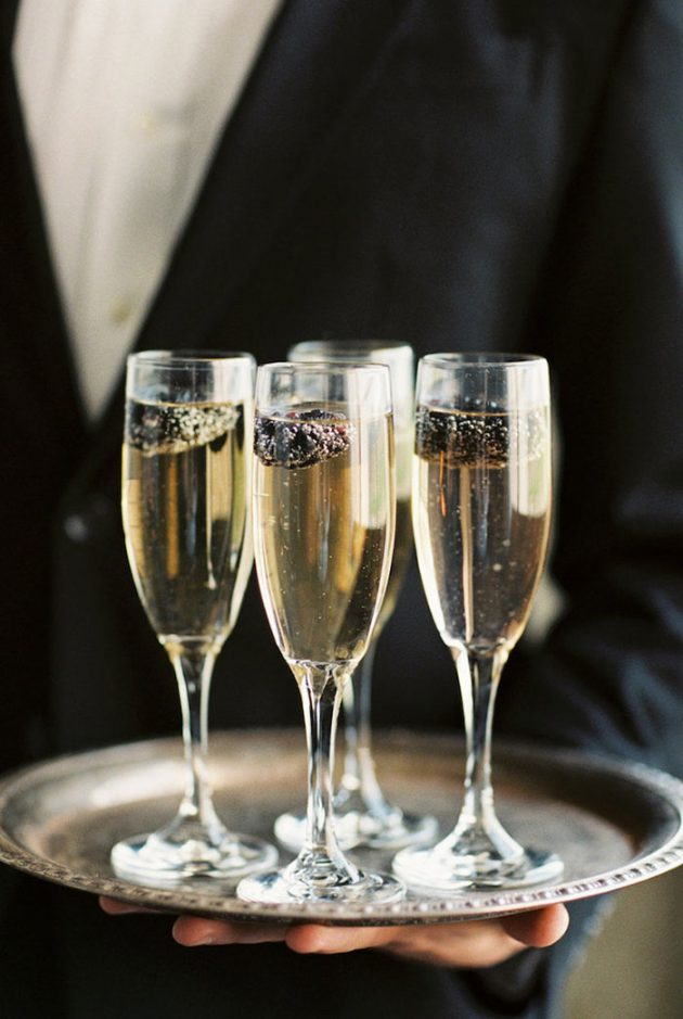 black-white-industrial-feminine-elegant-classic-wedding-inspiration05